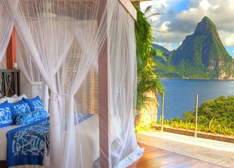Jade Mountain hotel
